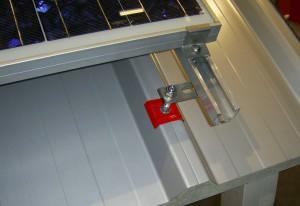 Trapezblechdach Befestigung Photovoltaikanlage Stockschraube